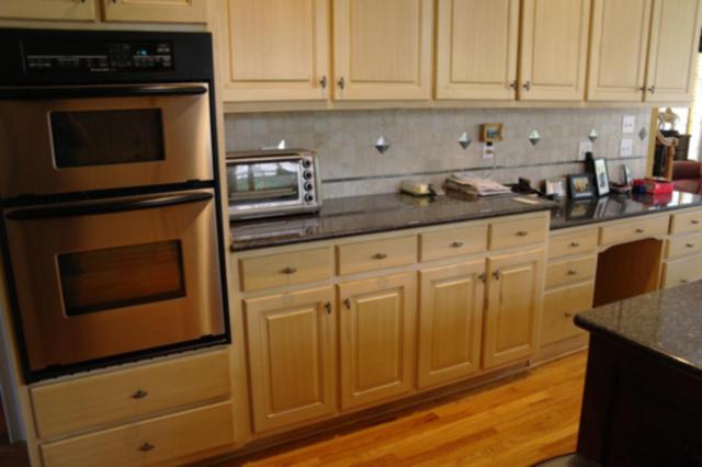 Kitchen remodel pictures oak cabinets kitchen art comfort for Kitchen backsplash ideas for oak cabinets